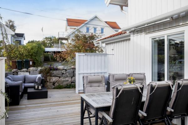 Unikt boende ett stenkast från Hällsviks badplats