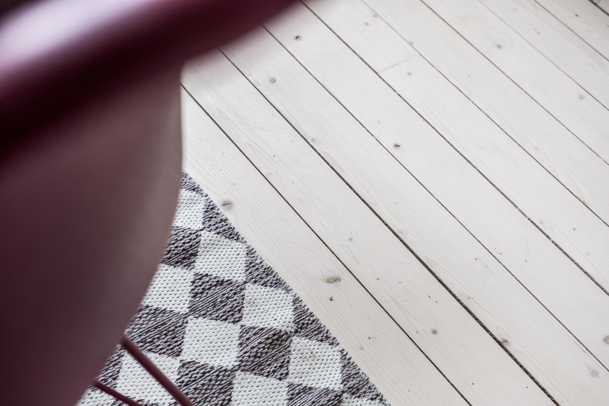 Totalrenoverat med originaldetaljer och solfylld balkong!